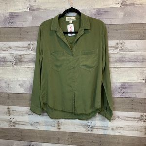 NWT Cloth and stone green Frayed hem button down